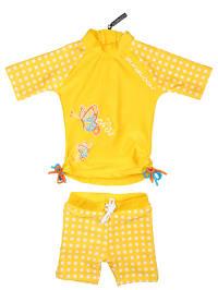 Zunblock Outfit: Schwimmshirt und Shorts in Gelb